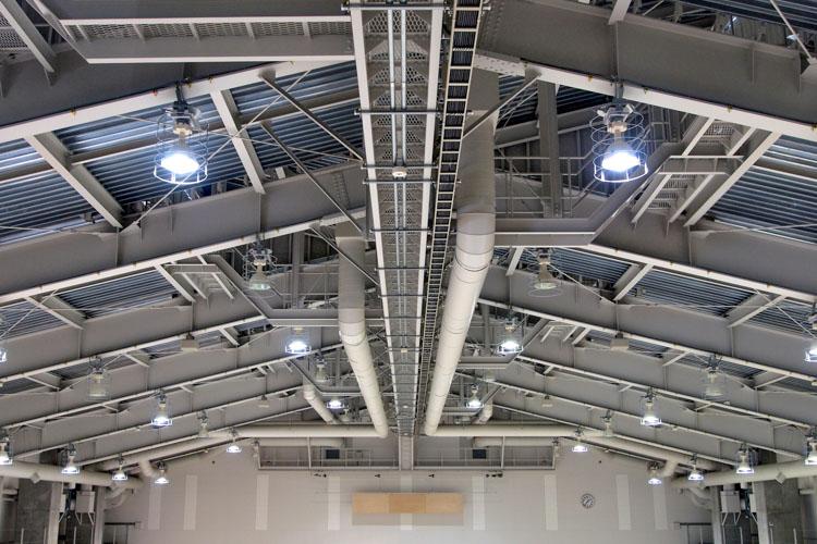 工場、倉庫、体育館などの天井照明のLED化